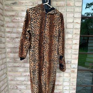 cheetah onzie (perfect for halloween)